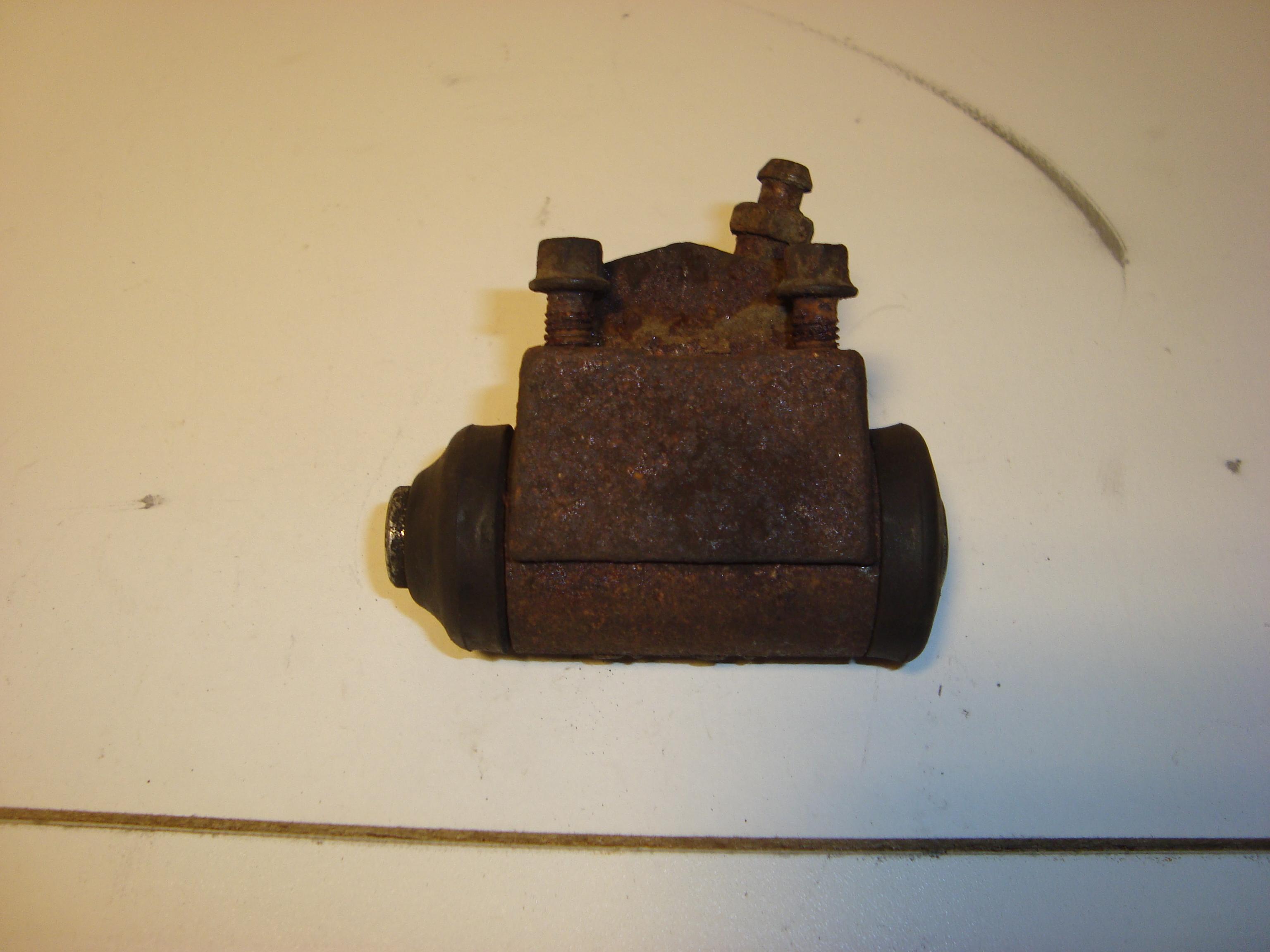 Тормозные цилиндры на форд 9 фотография
